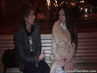 Русская девушка с большой грудью соблазнила парня