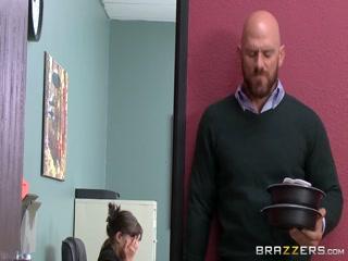 Секс с блондинкой-секретаршей в офисе у босса - порно для дрочки!